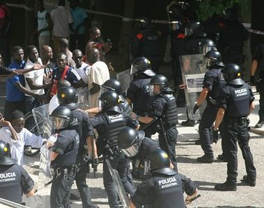 Lupte de strada in Barcelona, de ziua nationala a Spaniei. A fost dezastru!