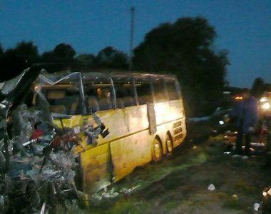 Cel putin 15 morti in centrul Rusiei intr-o coliziune intre un autobuz si un camion de...