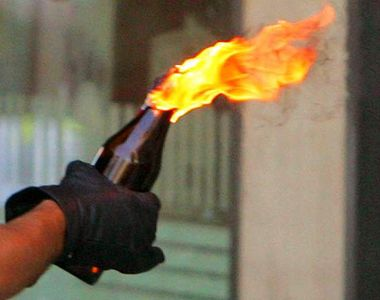 20 de persoane mascate au atacat cu cocktailuri Molotov o sinagoga din Suedia!...