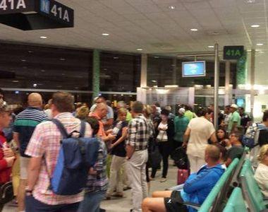 Mai multi romani sunt blocati pe aeroportul Luton din Londra, din cauza ninsorilor....