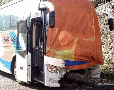 20 de membri ai aceleiasi familii au murit, in urma unei coliziuni intre doua autoare,...