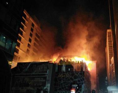 Cel putin 14 morti la Mumbai, intr-un incendiu urias la un restaurant