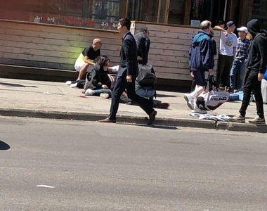 Clipe de cosmar in Toronto, Canada! O camioneta a intrat in multime: doi morti si opt...