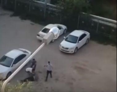 Halucinant! Un sofer de taxi a fost lovit cu caramizi in cap de 4 pasageri. Totul a...