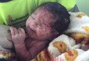 Tragedie si miracol! O gravida a murit intr-un accident ingrozitor, dar fetita din pantecul ei a fost gasita in viata, langa locul tragediei