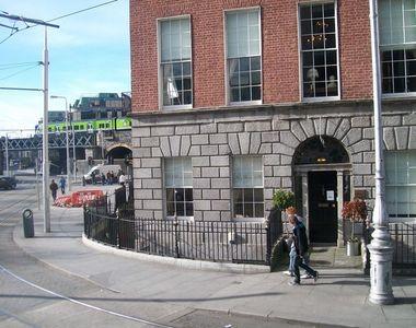 O banda de infractori romani este cauta in Dublin. Barbatii au injunghiat un om si au...