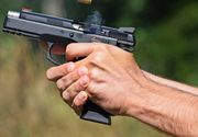 Un barbat si-a impuscat sotia si alte patru persoane, apoi s-a sinucis, chiar inainte sa il prinda politistii din California