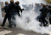 Proteste violente la Paris faţă de scumpirea carburanţilor. Jandarmii au folosit gaze lacrimogene