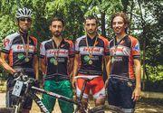 """""""Tribul"""", serviciul de curierat rapid pe bicicleta din Bucuresti! Ei sunt baietii care, indiferent de vreme, pedaleaza prin Capitala si livreaza colete in timp util"""