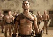 """Povestea emotionanta a lui """"Spartacus"""". Sotia lui Andy Whitfield vorbeste despre ultimele luni din viata actorului, inainte de a fi rapus de cancer"""