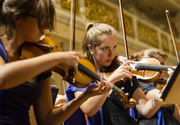 Patru muzicieni romani au fost selectati sa participe intr-un proiect al Orchestrei de Tineret a Uniunii Europene