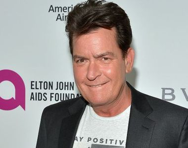 Infectat cu HIV, Charlie Sheen a devenit imaginea unor prezervative, care nu se rup si...