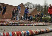 Record mondial la Arad. A fost realizat cel mai lung sir de capace insiruite din lume
