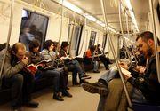 """Incepe campania """"Cartea la metrou"""". Metrorex recompenseaza calatorii care citesc in metrou"""
