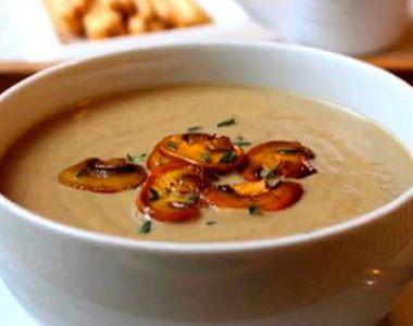 Reteta delicioasa de post. Supa crema de ciuperci. E gata in cateva minute si ai nevoie...