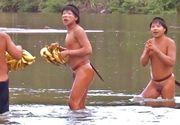 Imagini surprinzatoare din Brazilia. Membrii unui trib izolat au avut primul contact cu lumea exterioara