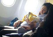 O femeie a nascut in avion, cu trei luni mai devreme. Stewardesele au facut un gest uimitor, iar pasagerii au reactionat imediat