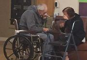 Dupa ce au fost casatoriti 62 de ani, doi soti sunt acum fortati sa traiasca separat. Fotografia cu cei doi care isi iau ramas-bun iti rupe inima