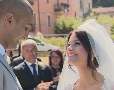 O clipa de fericire intr-o perioada neagra din istoria Italiei. Un cuplu s-a casatorit...