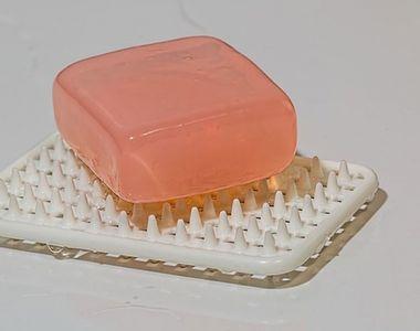 """Săpunul antibacterian a fost interzis în Statele Unite, pentru că """"face mai mult rău..."""