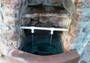 """Apa """"acra"""" de la Mocrea a ajuns sa fie consumata si dincolo de granitele Romaniei. Proprietatile ei curative atrag sute de oameni zilnic la acest izvor"""