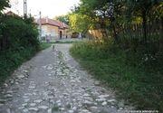Satul Alun, cea mai ciudata localitate din Romania. Are un singur locuitor si un drum de 10 kilometri numai din marmura
