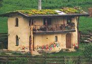 Casa din Romania construita din lut si paie. E accesibila, naturala si extrem de primitoare