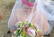 Motivul bizar pentru care o femeie s-a casatorit complet dezbracata. A pasit in fata altarului si a celor 700 de invitati fara sa aiba nimic pe ea