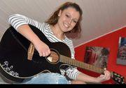 O romanca din Germania canta pentru oamenii saraci din Petrosani! Tanara este o artista apreciata de nemti