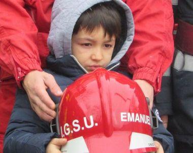 Mos Craciun a venit mai devreme pentru baietelul de 6 ani care si-a salvat surorile din...