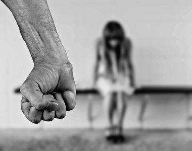 Un tata erou si-a salvat fiica in ultimul moment din mainile unui imigrant beat care...