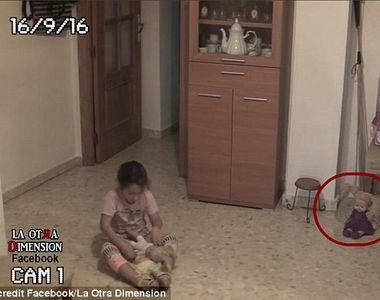 Fenomene inexplicabile intr-o casa! O fetita a ramas terifiata dupa ce a vazut ca...