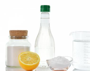 Vrei sa iti cureti casa fara sa apelezi la chimicale? Acestea sunt solutiile ieftine si...