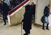 """O femeie care vinde servetele la metrou a facut un gest extraordinar. """"Mi-a crapat obrazul de rusine pentru ca nu am putut face eu acest gest"""", spune cel care a surprins momentul"""