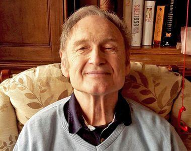 Un batran de 76 de ani care sufera de dementa a fost abandonat de sotie si fiu intr-o...