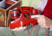 Telefonul rosu al lui Hitler, scos la licitatie! Asa arata obiectul prin intermediul caruia au fost curmate milioane de vieti!