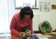 Drama unei fetite de 4 ani diagnosticate cu autism. Statul roman i-a retras indemnizatie pentru ca a reusit sa stea pe olita