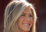 Mama lui Paris Hilton sustine ca Jennifer Aniston este insarcinata si va avea o fetita. Aparitia actritei la premiile Oscar ar fi dat-o de gol