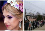 Roxana Dragomir, condusa pe ultimul drum. Sotul si parintii au stat la capataiul tinerei care si-a dat viata pentru fiica ei