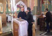 Cornel Gales a ajuns la biserica unde va avea loc parastasul  Ilenei Ciuculete. Sute de persoane sunt asteptate astazi sa o comemoreze pe regretata  artista
