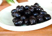 Atentie la masline! 40% din cele gasite in comert sunt colorate cu aditivi! Iata cum le recunoasteti pe cele naturale