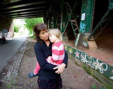 Fetita de 4 ani, posibil infectata cu virus hepatitic B sau C. Un act de seringa...