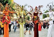 Pentru o luna, strazile din centrul Bucurestiul se transforma intr-o mare scena! Ce spectacole vor avea loc in cadrul Festivalului International de Teatru de Strada