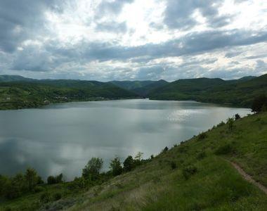 Lacul blestemat din Romania. Safandrii au ramas ingroziti de ce au descoperit pe fundul...
