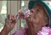 """O femeie in varsta de 100 de ani spune ca secretul longevitatii sale este vinul: """"Sa nu mi-l luati"""""""