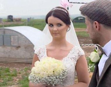 Mireasa infuriata dupa ce mirele i-a organizat o nunta cu porci! Porecla ei e...
