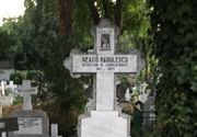 """Un scriitor celebru a iubit-o patimas pe Elodia. """"Prima floare a adolescentei mele studentesti"""" Acesta este mesajul de pe piatra funerara a lui Neagu Radulescu."""