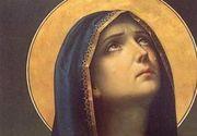 Crestinii praznuiesc marti Adormirea Maicii Domnului sau Sfanta Maria Mare, ocrotitoarea marinarilor. Sarbatoarea, incarcata de traditii, obiceiuri si superstitii