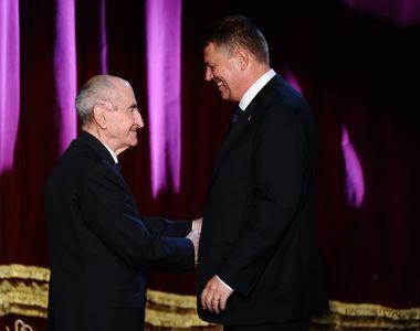 Poetul Mircea Dinescu a fost revoltat ca presedintele Iohannis l-a decorat pe Mircea...