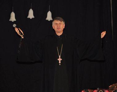 A fost Cristian Pomohaci santajat? Fostul preot stia de anul trecut ca urmeaza sa fie...